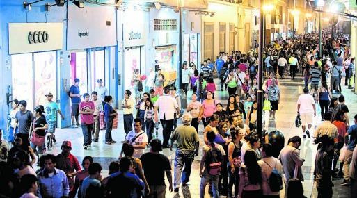 Las grandes ventas en el país no solo se generan en los centros comerciales. Hay avenidas claves en Lima que pueden generar ingresos de más de S/ 4 millones al mes. (Foto: USI)