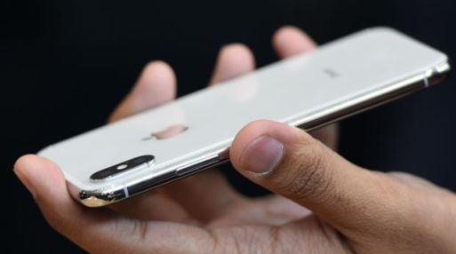 El iPhone X tiene avanzadas tecnologías de percepción 3D, pantalla, cámara y realidad aumentada.