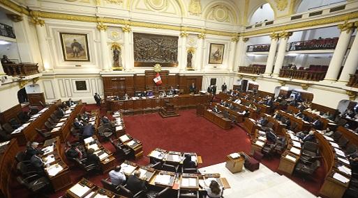 """Pese a que fue calificada como la """"ley mordaza"""", el pleno del parlamento aprobó con 71 votos a favor y 38 en contra la creación de """"bancadas mixtas"""". (Foto: USI)"""