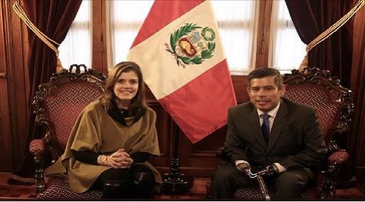 Por más de una hora están reunidos el presidente del Congreso y la titular de la PCM. Aráoz también se reunió con los congresistas de la bancada oficialista. (Foto: USI)