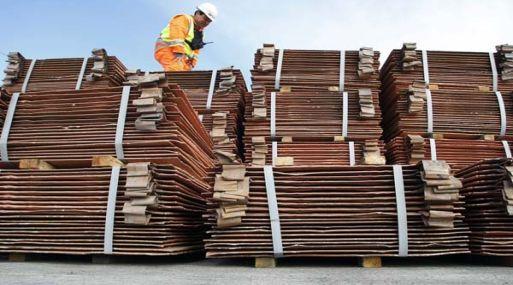 A las 1156 GMT, el cobre en la Bolsa de Metales de Londres perdía un 1.21%, a US$ 6,447 por tonelada.