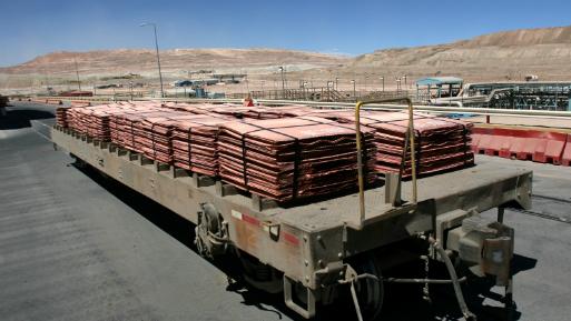 El cobre caía un 0.62%, a US$ 6,440 por tonelada.