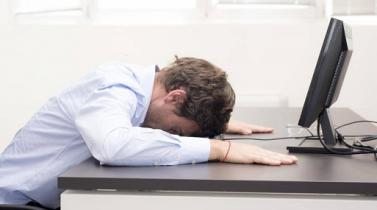 Empresa inglesa ofrece días de descanso por resaca