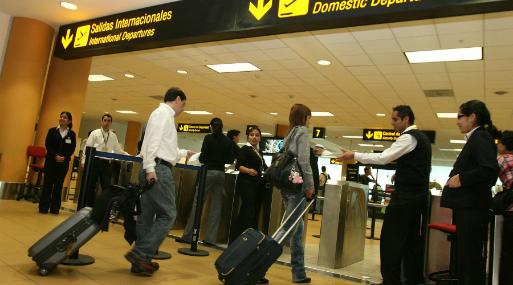Censo 2017: Peruanos que lleguen de viaje quedarán varados nueve horas en el aeropuerto