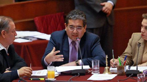 El contralor señaló que tendrá que duplicar su personal contratado, que actualmente asciende a 3,200 trabajadores (Foto: Andina).