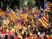 Presidente catalán suspende declaración de independencia para intentar dialogar con Madrid