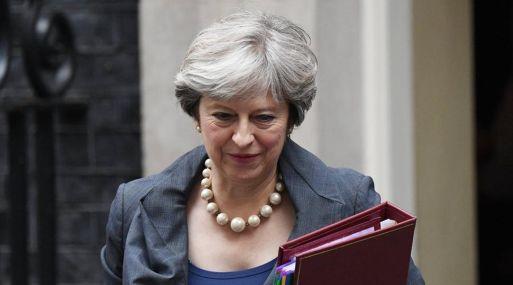 Previamente, May habló hoy por teléfono con la canciller alemana, Angela Merkel, con quien trató sobre el acuerdo nuclear con Irán y sobre las negociaciones para la salida británica de la UE.