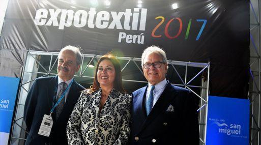 Andreas von Wedemeyer, a la derecha de la foto, inauguró la feria internacional Expotextil Perú 2017. (Foto: Difusión)