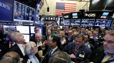 Wall Street cierra con dos nuevos récords del Dow Jones y el S&P 500