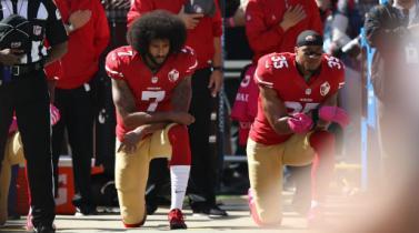 Trump critica a NFL por no obligar a jugadores a escuchar de pie el himno
