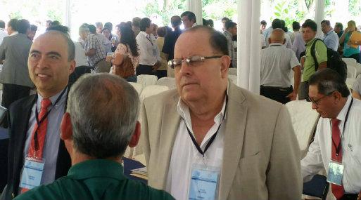 Julio Velarde, presidente del BCR, arribó a Tarapoto para participar en Encuentro Económico. (Foto: Edwin Bardales)