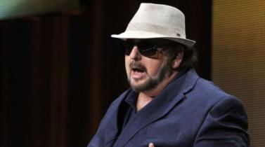 Denuncian por acoso sexual al director James Toback