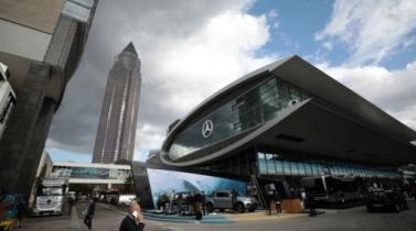 Daimler planea nueva estructura y separará Mercedes de camiones