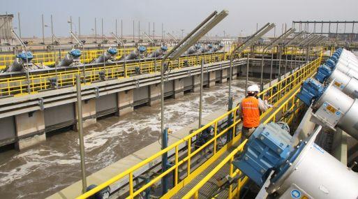 El Gobierno peruano planea la construcción de 14 plantas de alcantarillado que requerirán una inversión de US$ 1,200 millones.