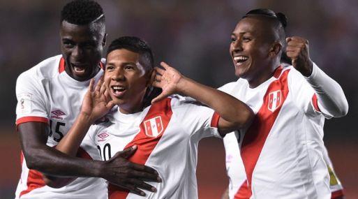 FIFA.com resalta cuatro aspectos clave que permitieron a los peruanos revertir lo que parecía ser otro fallido intento de clasificación al Mundial. (Foto: AFP)