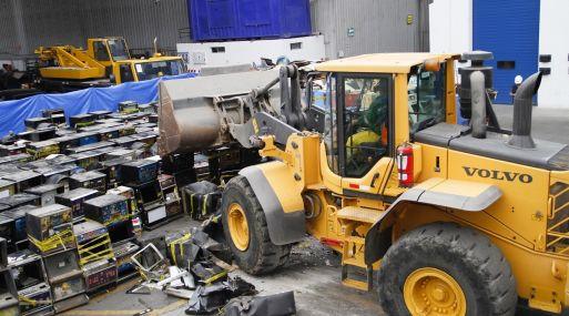 Mincetur destruyó unas 424 máquinas tragamonedas. (Foto: Mincetur)