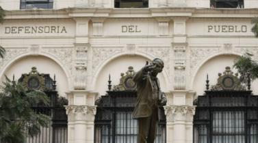 Defensoría pide al Congreso reformular proyecto que prohíbe publicidad estatal en medios privados
