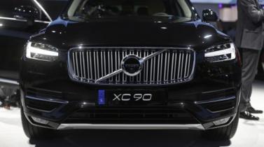 Uber acuerda compra de 24,000 vehículos autónomos de Volvo