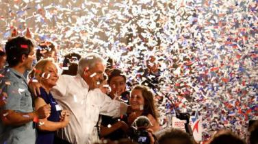 Bolsa chilena sufre peor derrumbe en años y peso cae con fuerza tras resultados de elección