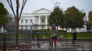 Casa Blanca pide a Corte Suprema de EE.UU. poner en vigencia la prohibición migratoria