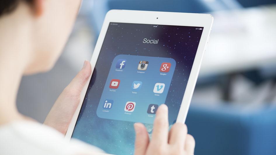 5. El Big data se abastece de las redes sociales, donde extrae información que amplía el conocimiento del cliente.